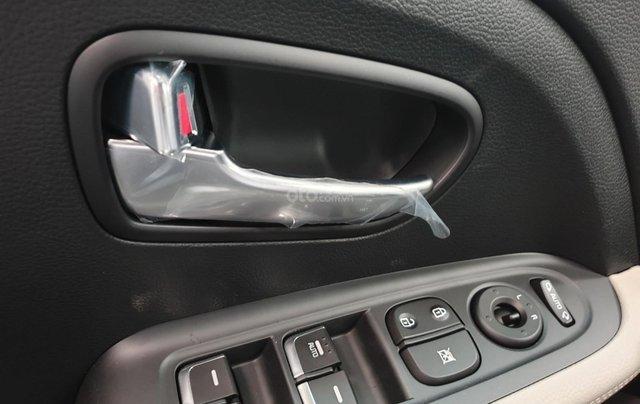 Kia Sorento 2.2 DAT Premium trắng, có xe giao trong tháng 1, tặng BHVC7