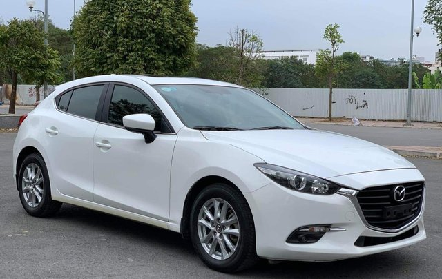 Bán Mazda 3 HB màu trắng sx 20182