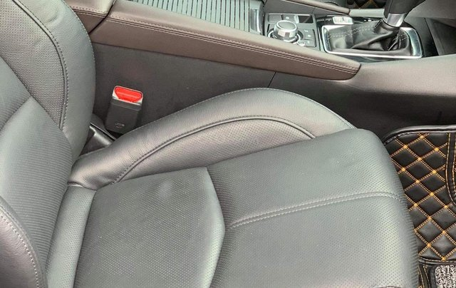 Bán Mazda 3 HB màu trắng sx 20184