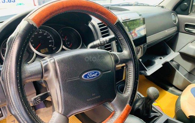 Bán Ford Everest đăng ký lần đầu 2013, màu bạc xe gia đình giá 515 triệu đồng6