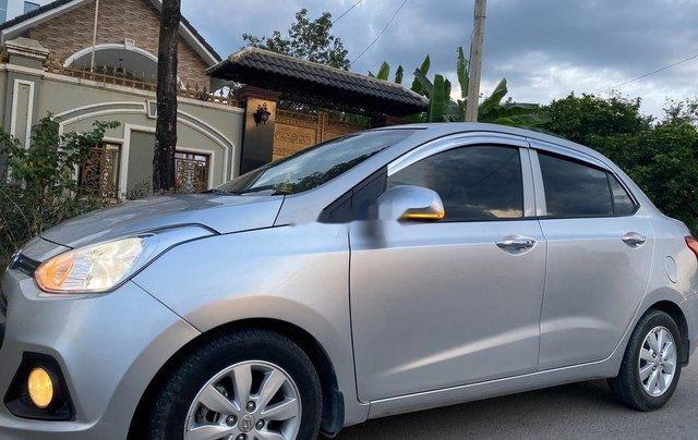 Cần bán xe Hyundai Grand i10 đời 2016, màu bạc, xe nhập 5