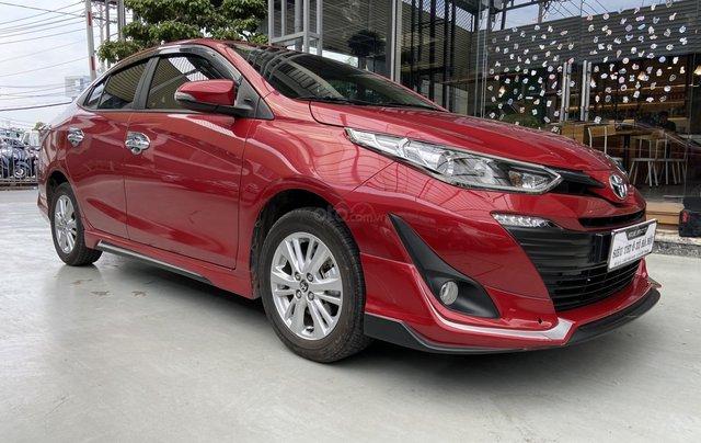 Bán xe Toyota Vios 1.5G màu đỏ, siêu lướt, xe gia đình mới đi 10.000km2