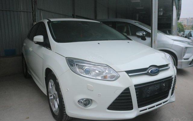 Bán xe Ford Focus năm 2014, màu trắng0