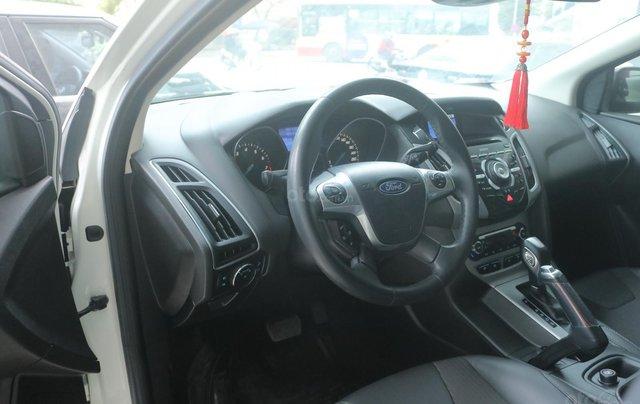 Bán xe Ford Focus năm 2014, màu trắng3