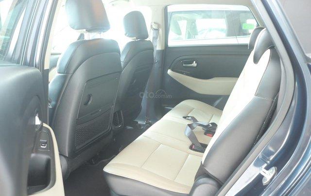 Cần bán lại xe Kia Rondo GAT sản xuất năm 20176