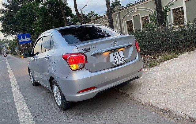 Cần bán xe Hyundai Grand i10 đời 2016, màu bạc, xe nhập 3