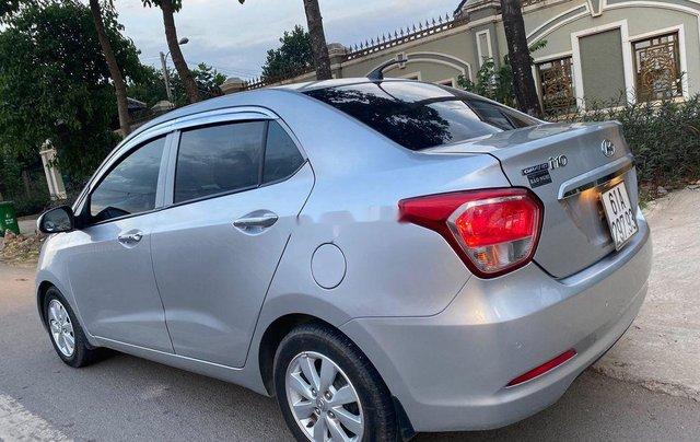 Cần bán xe Hyundai Grand i10 đời 2016, màu bạc, xe nhập 4