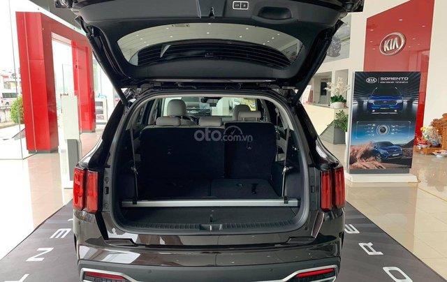 Kia Sorento 2021 - Bản cao cấp, máy dầu - Khuyến mại hấp dẫn - Hỗ trợ trả góp - Xe có sẵn đủ màu giao ngay4