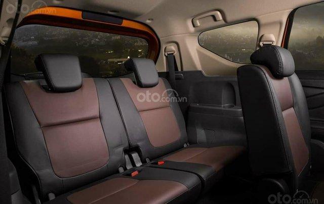 Mitsubishi Xpander Cross giá ưu đãi tháng cuối năm cùng vô vàn khuyến mại phụ kiện hấp dẫn3