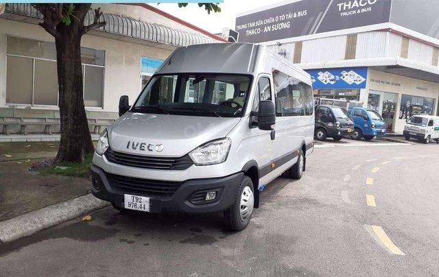 Mini Bus Iveco Daily- xe Iveco 16 chỗ bầu hơi1