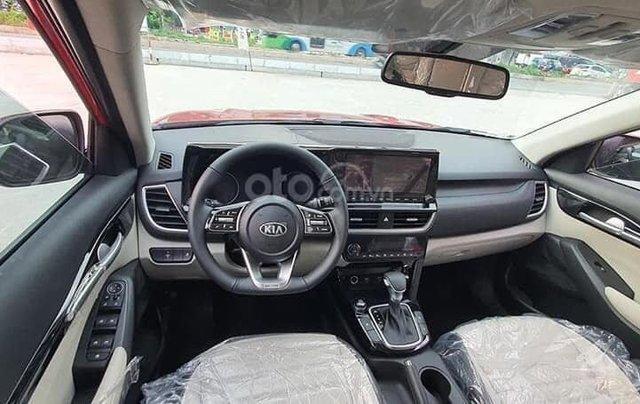 Kia Seltos 2021 Luxury màu trắng - Hỗ trợ trả góp - Ưu đãi quà tặng kèm theo - Xe đủ màu giao ngay4