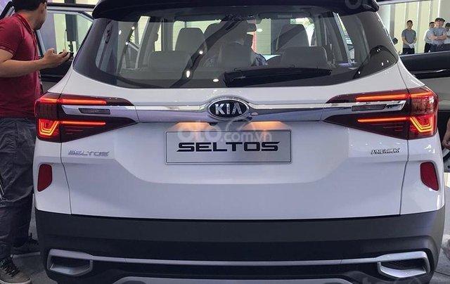 Kia Seltos 2021 Luxury màu trắng - Hỗ trợ trả góp - Ưu đãi quà tặng kèm theo - Xe đủ màu giao ngay2