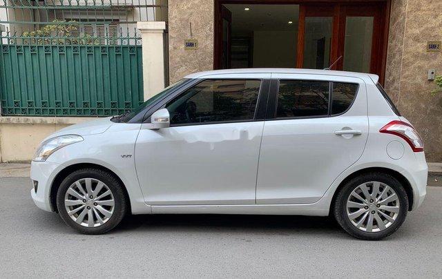 Bán Suzuki Swift sản xuất 2015 còn mới giá cạnh tranh0