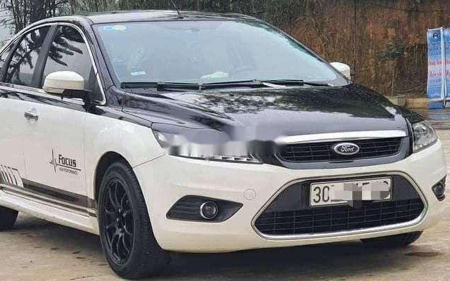 Bán xe Ford Focus sản xuất 2012 còn mới, giá tốt0