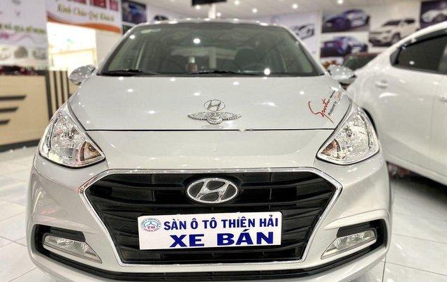 Bán Hyundai Grand i10 đời 2017, màu bạc còn mới, giá tốt2