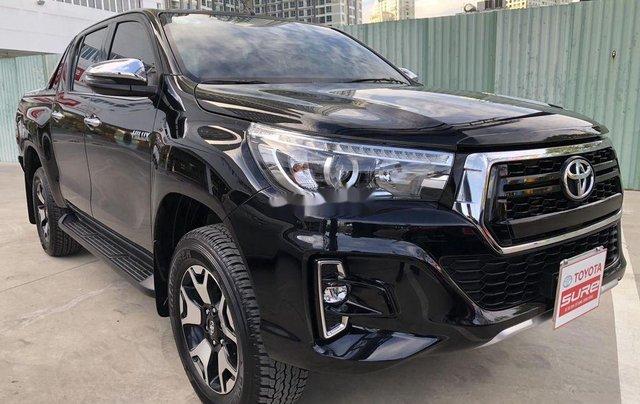 Bán Toyota Hilux 2.8AT năm sản xuất 2020, giá 870tr2