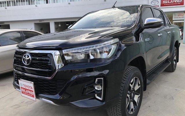 Bán Toyota Hilux 2.8AT năm sản xuất 2020, giá 870tr1