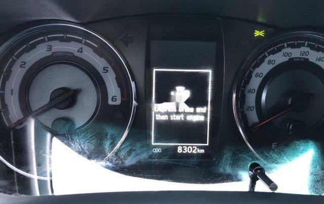 Bán Toyota Hilux 2.8AT năm sản xuất 2020, giá 870tr3