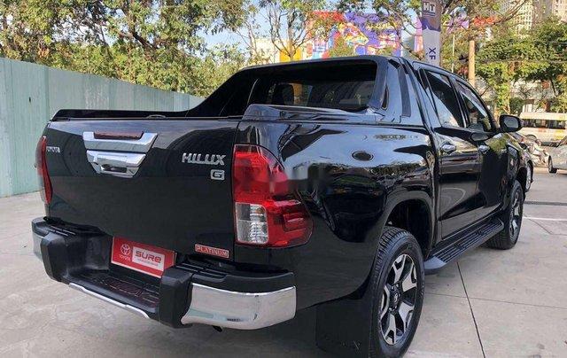 Bán Toyota Hilux 2.8AT năm sản xuất 2020, giá 870tr8