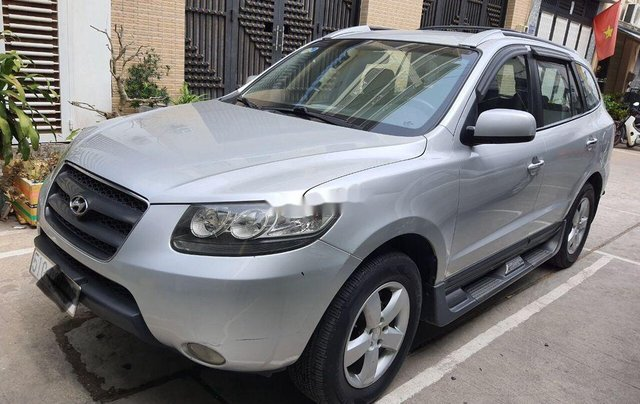 Cần bán gấp Hyundai Santa Fe đời 2008, màu bạc, xe nhập chính chủ, 315 triệu1