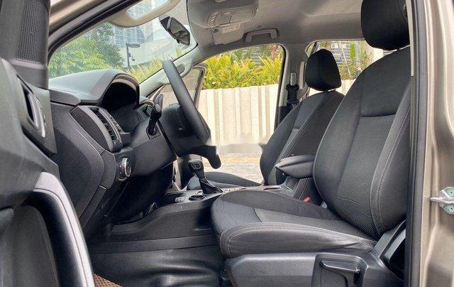 Bán Ford Everest sản xuất 2019, xe nhập, xe chính chủ8