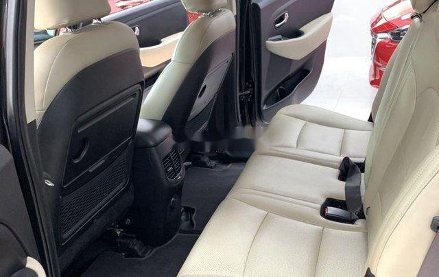 Cần bán gấp Kia Rondo năm sản xuất 2017, xe còn mới3