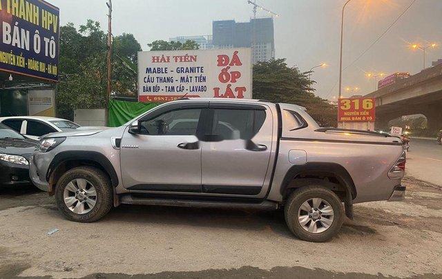 Bán Toyota Hilux sản xuất 2016, xe nhập còn mới2