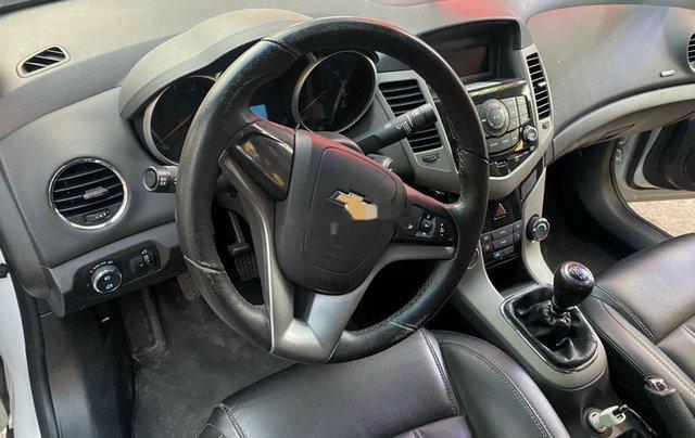 Bán Chevrolet Cruze đời 2016, màu trắng, 345 triệu5