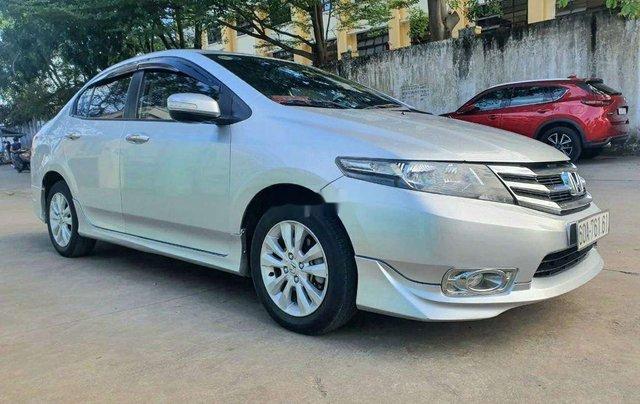 Cần bán Honda City đời 2014, màu bạc 1