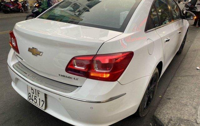 Bán Chevrolet Cruze đời 2016, màu trắng, 345 triệu3