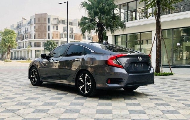 Bán ô tô Honda Civic năm sản xuất 2017, xe chính chủ, giá ưu đãi1