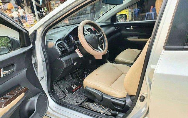 Cần bán Honda City đời 2014, màu bạc 5