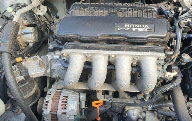 Cần bán Honda City đời 2014, màu bạc 9