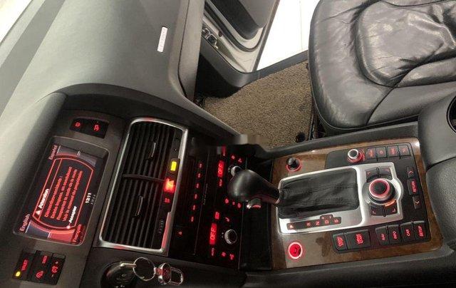 Xe Audi Q7 năm sản xuất 2006, màu bạc, nhập khẩu 6