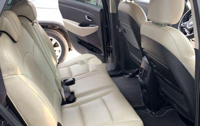 Cần bán gấp Kia Rondo năm sản xuất 2017, xe còn mới4