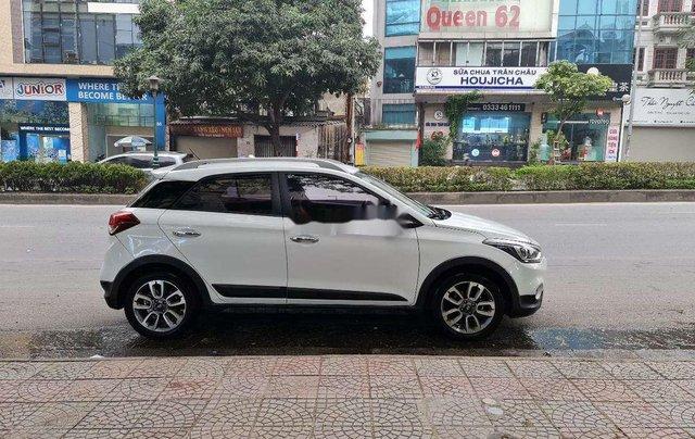 Xe Hyundai i20 Active sản xuất 2016, màu trắng, xe nhập2