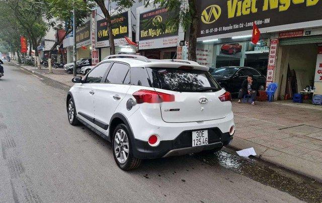 Xe Hyundai i20 Active sản xuất 2016, màu trắng, xe nhập4
