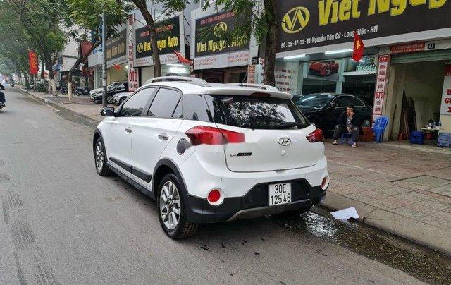 Cần bán lại xe Hyundai i20 Active đời 2016, màu trắng, xe nhập 3