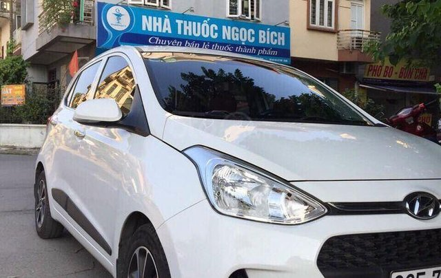 Cần bán lại xe Hyundai Grand i10 1.2 AT 2017, màu trắng chính chủ1