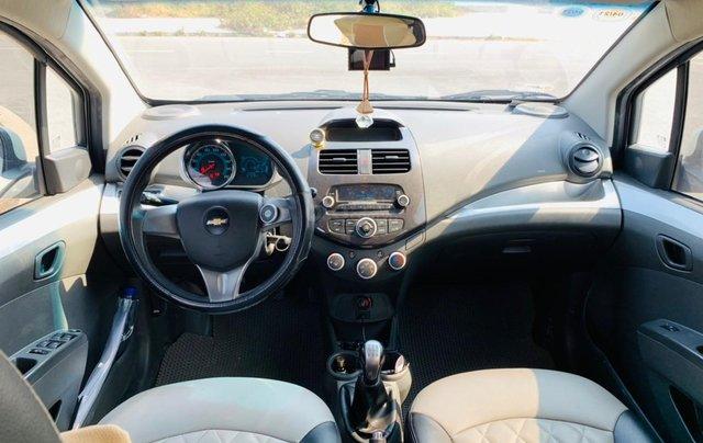 Chevrolet Spark Van 2017 số sàn, màu trắng4