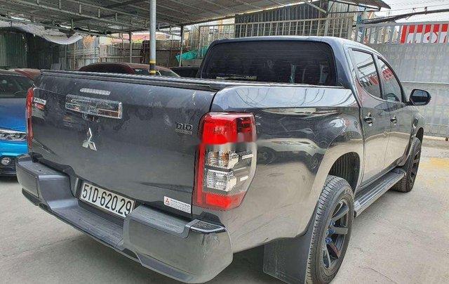 Cần bán Mitsubishi Triton đời 2019, màu xám, nhập khẩu2