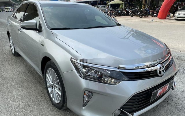 Bán Toyota Camry 2.0E năm 2017, giá chỉ 855 triệu0
