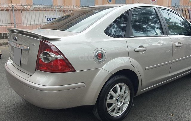 Bán gấp Ford Focus 1.8 số sàn đời 20097