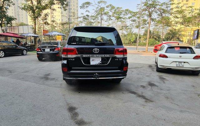 Toyota Land Cruiser 5.7L VXS, xe xuất Trung Đông2