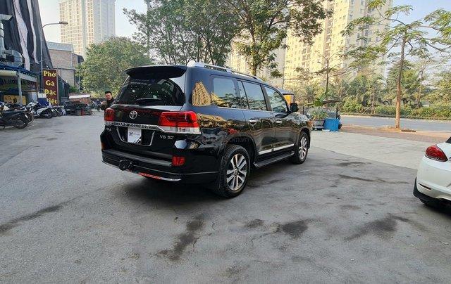 Toyota Land Cruiser 5.7L VXS, xe xuất Trung Đông5