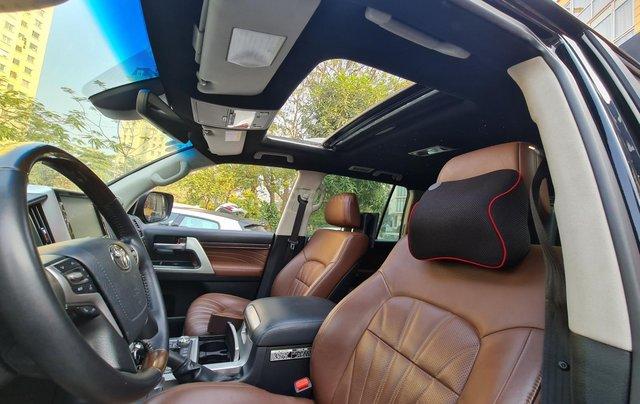Toyota Land Cruiser 5.7L VXS, xe xuất Trung Đông6