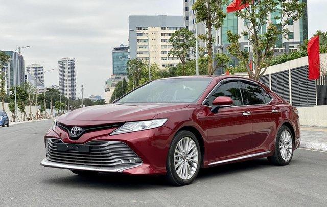 Cần bán xe Toyota Camry 2.5Q SX 20190