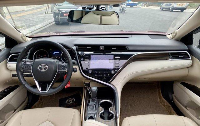 Cần bán xe Toyota Camry 2.5Q SX 201910
