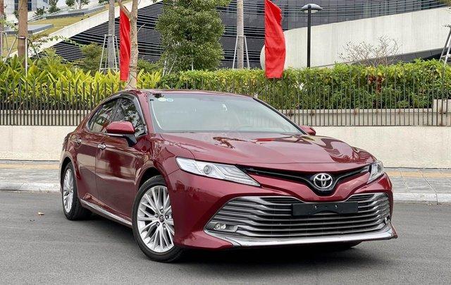 Cần bán xe Toyota Camry 2.5Q SX 201912