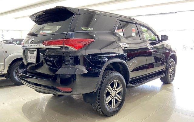Bán xe Toyota Fortuner màu đen, máy dầu, siêu đẹp, trả góp chỉ 346 triệu4